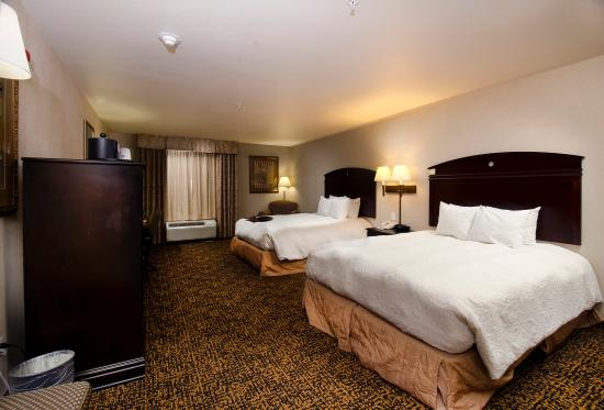 2 Queen Standard Bedroom Picture Of Hampton Inn Suites Gallup Gallup Tripadvisor