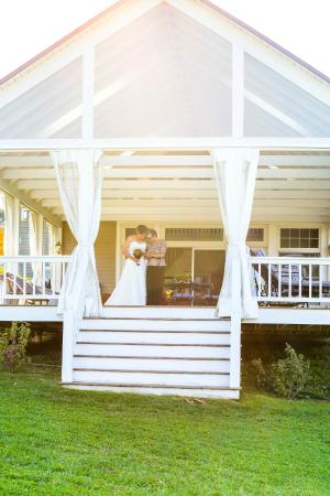 Apple Hill Inn: The Veranda