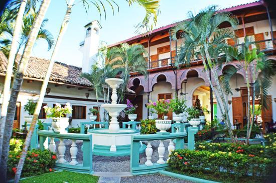 Hotel Dario: A romantic colonial style