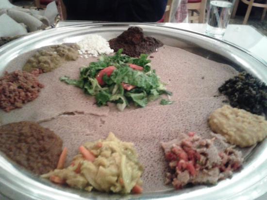 Zeni Ethiopian Restaurant : The Family Food platter