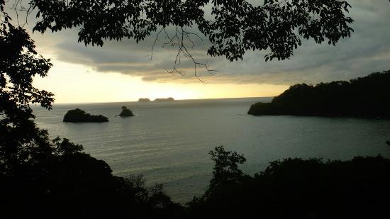 Coconut Grove Oceanfront Cottages: El paraiso