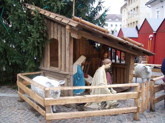 Gasthof Hofwirt : Presepio fuori della chiesa
