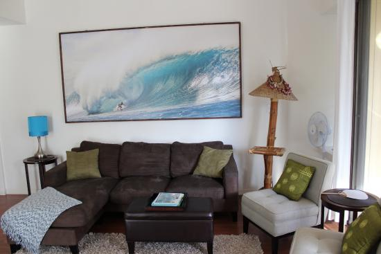Turtle Bay Condos: The lounge with Pipeline picture