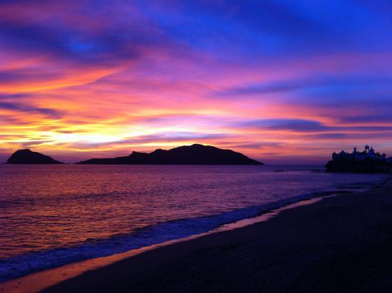 Sunset on El Malecon