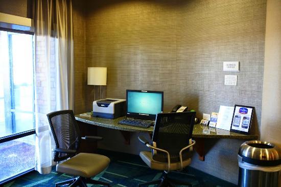 SpringHill Suites Cedar City: Shared computer