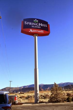 SpringHill Suites Cedar City: Entrance