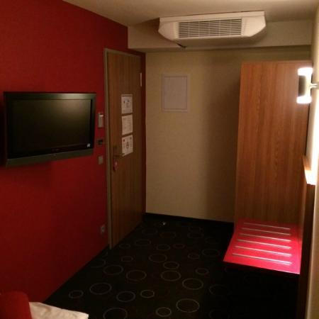 Hotel Central: Eingangsbereich mit AirCo und TV