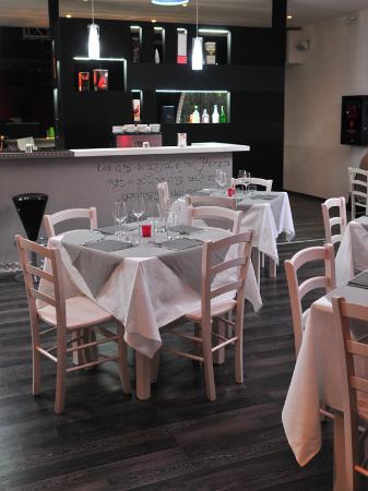 FM56 Radio Restaurant
