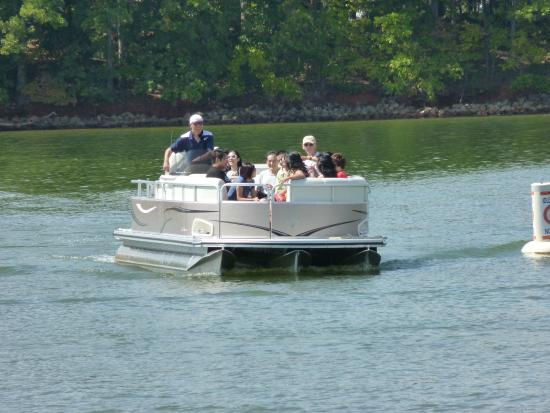 Lake picture of lake murray south carolina tripadvisor for Lake murray fishing hot spots