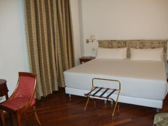 NH Firenze Anglo American : Hotel Room
