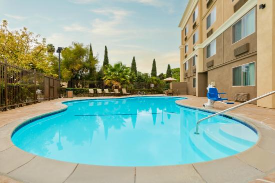 Wisconsin Dells Water Park Resort Hotel - Chula Vista Resort