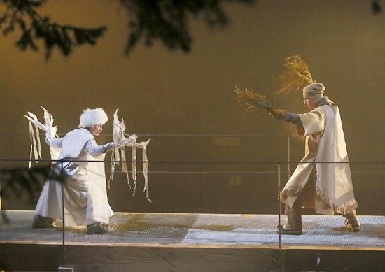 Caravan Farm Theatre : The battle of the Winds