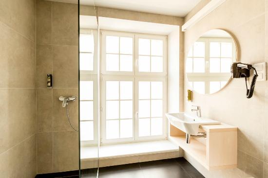 Sleep In Hostel & Apartments: Łazienka w Apartamencie Ratuszowym
