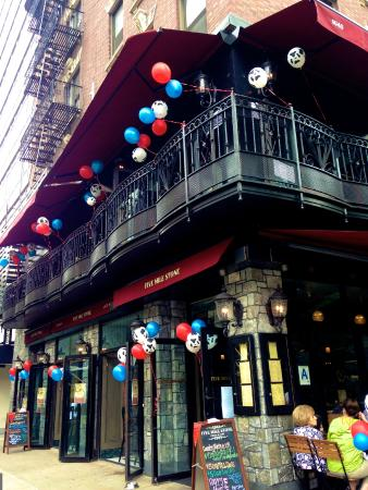 Photo of Bar Five Mile Stone at 1640 2nd Ave, New York City, NY 10028, United States
