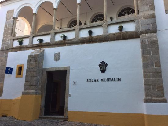 هوتل سولار دي مونفاليم