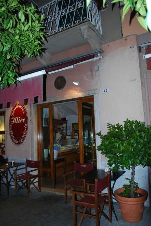 Bar Caffetteria Pasticceria Illice: Ingresso
