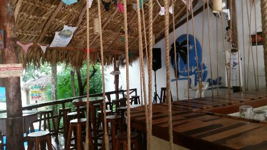 Luna Blue Hotel: Wonderful swing bar overlooking the very clean refreshing pool.
