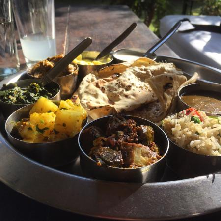 The Whistling Teal: Delicious thali