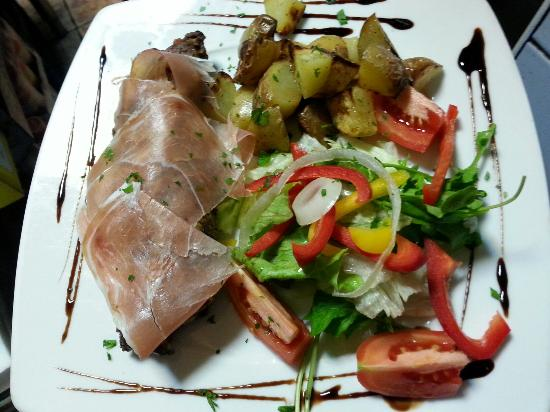 """Caffe Bocconcino: """"stuffed Beff Fillet"""""""