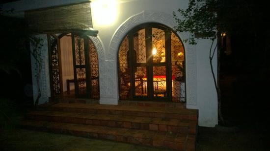 Shambani Cottages: Outside door area