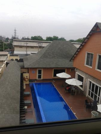 Leadway Hotel, Ikeja: View of the pool and gym