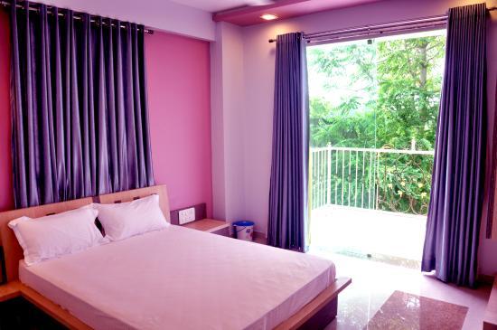 Hotel Royal Heritage & OYO Rooms