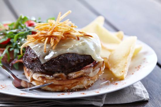 Klipdrift Distillery: The famous Klipdrift burger