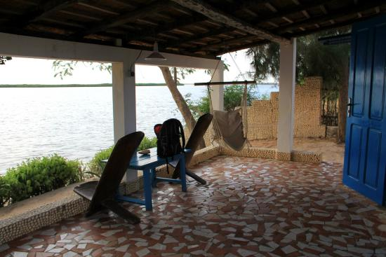 Le Bazouk Du Saloum: Terrasse bungalow N°2