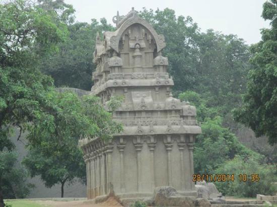 Krishna's Butter Ball: Temple near the site