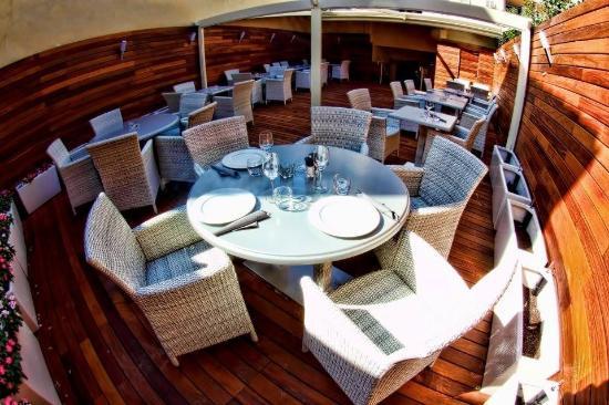 MB2 Restaurant-Lounge: La terrasse