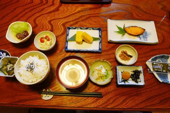Minshuku Rindou-no-ie: Traditional Breakfast ala Shizuo-san