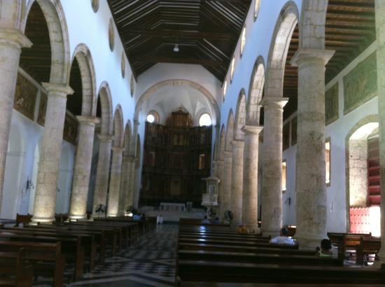 Casa Pombo : Igreja matriz de Cartagena, praticamente em frente ao hotel