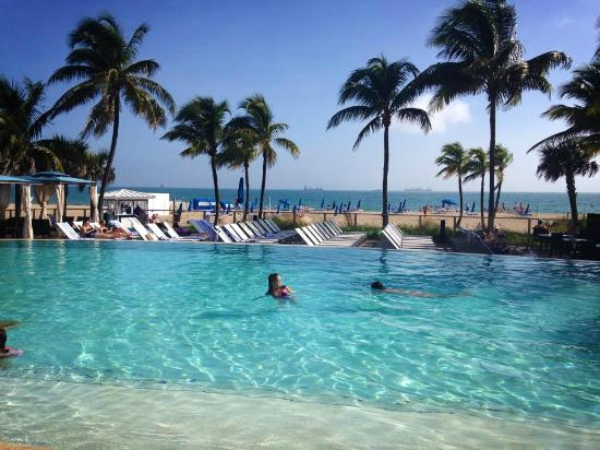 Beach Tower Pool And Grill Perfect Area To Relax At Picture Of B Ocean Resort Fort Lauderdale