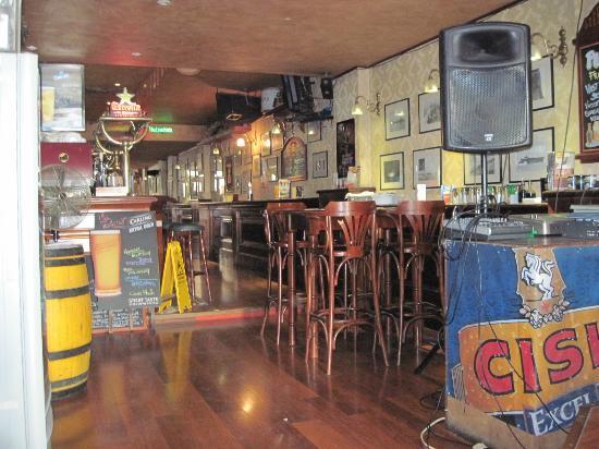 The George Pub : Pub Interior