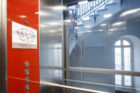 Antiche Volte : L'elegante ascensore