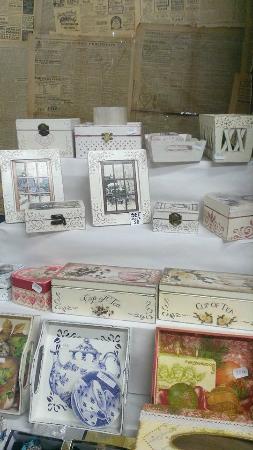 Bucharest Municipal Museum : Handmade bijoux boxes