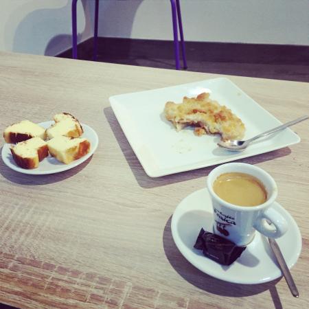 Eyes Café