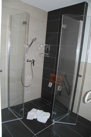 behinderten bad dusche - bild von kur & ferienhaus volksheilbad, Hause ideen