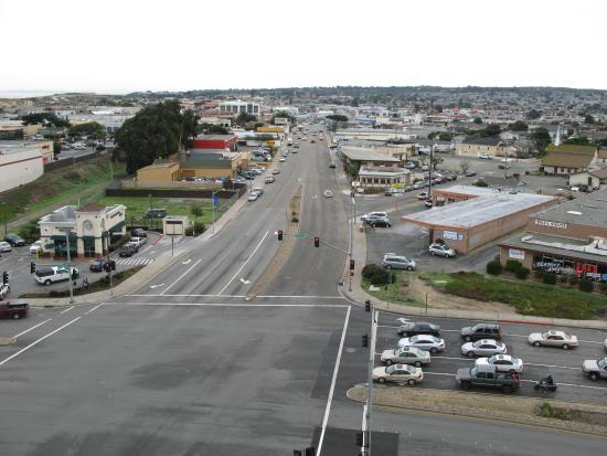 Embassy Suites by Hilton Hotel Monterey Bay - Seaside: Here you can see the streets