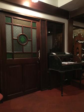 Baan Khanitha: Entrance