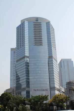 The Ritz-Carlton Jakarta, Pacific Place: Exterior