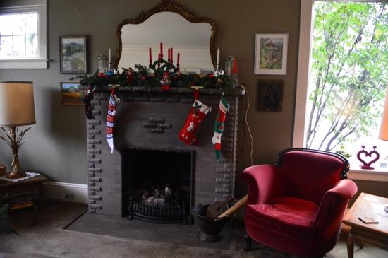 Bed and Breakfast on Capitol Hill: fireplace in December