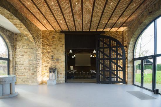 foto de chateau de la poste assesse miror chateau de la poste tripadvisor. Black Bedroom Furniture Sets. Home Design Ideas