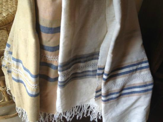 Ma Te Sai: Lao towels