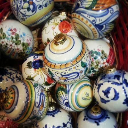 Decorazioni natalizie foto di ceramiche artistiche - Decorazioni artistiche ...