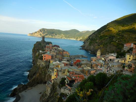Vernazza views picture of maria capellini rooms for Madia cappellini