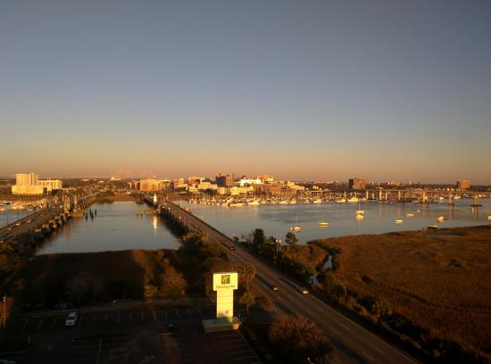 Holiday Inn Charleston Riverview: View from room on 12th floor of City