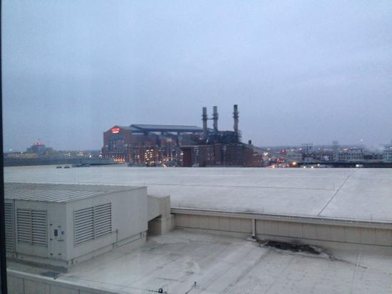 Courtyard Indianapolis Downtown: Our view of Lucas Oil Stadium from the room
