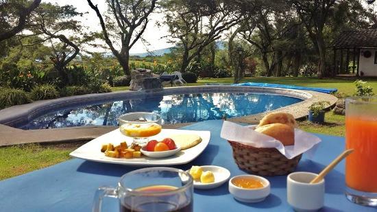 Hosteria Hacienda San Francisco: No te pierdas el Desayuno al aire libre