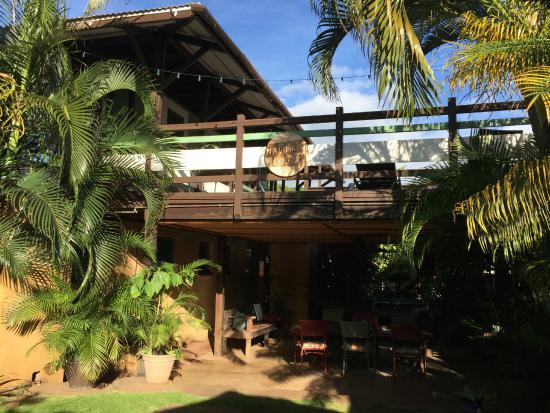Nalu Kai Lodge: Communal Courtyard
